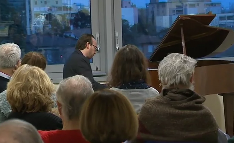 Roberto Prosseda ha suonato per i pazienti del Core. VIDEO